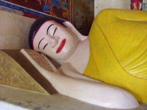 ワットノコールの涅槃仏